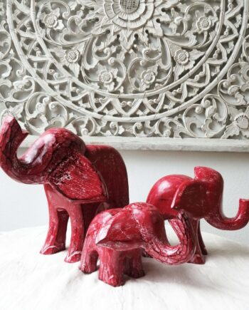 insieme set elefanti legno roossi arredo etnico